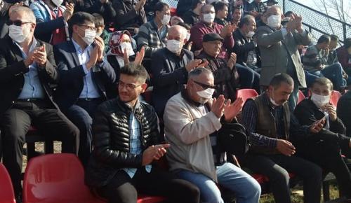 TUNÇBİLEK'TE ÇELİKLER HOLDİNGE PROTESTO