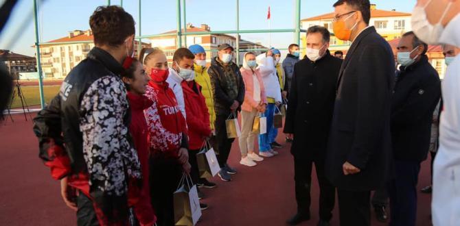 TÜRKİYE VE UKRAYNA MİLLİ ATLETLERİ KÜTAHYA'DA KAMPTA